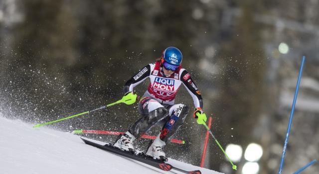 Sci alpino, Petra Vlhova fa suo lo slalom di Are e balza in vetta alla generale