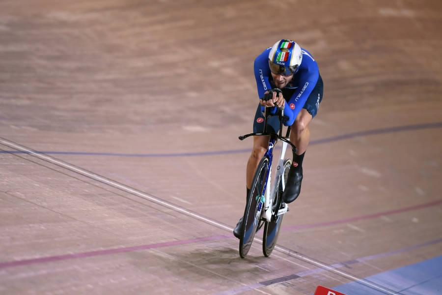 Ciclismo, Filippo Ganna punta al record del mondo ai Mondiali di Roubaix. Sarà Milan l'avversario da battere?