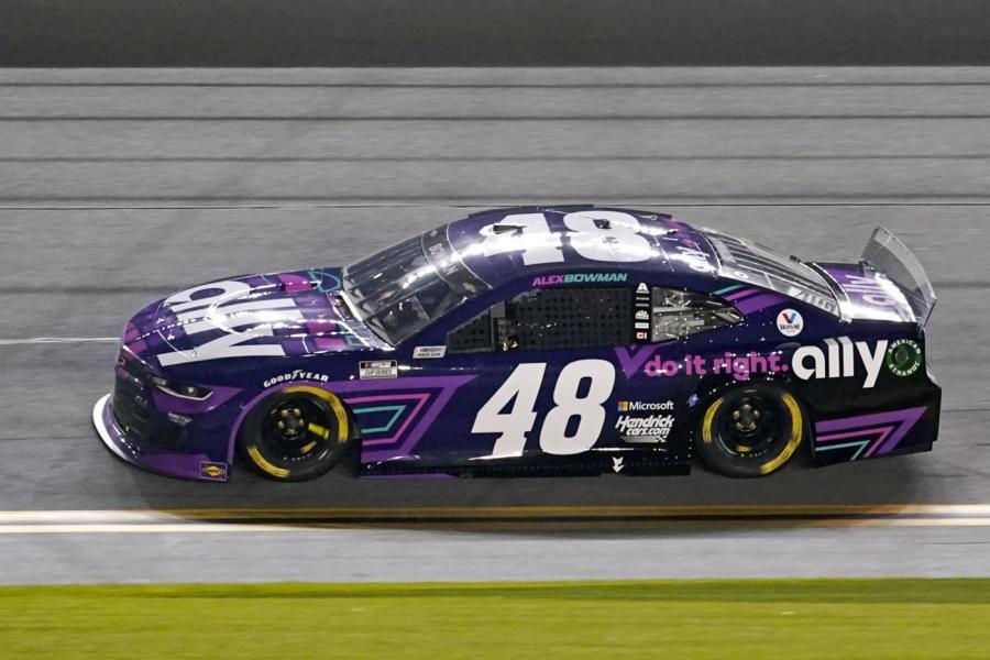 NASCAR, Alex Bowman conquista Dover. Poker per Hendrick Motorsport nella Monster Mile