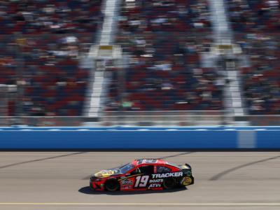 NASCAR, Martin Truex Jr svetta a Martinsville per la terza volta in carriera