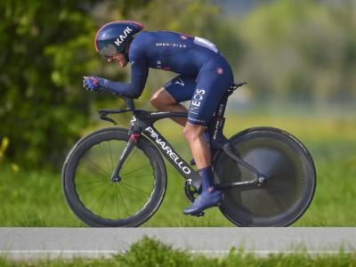 Giro dei Paesi Baschi 2021, niente fratture per Richard Carapaz dopo la caduta di ieri. L'ecuadoriano ripartirà oggi