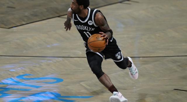 Basket, NBA 2021: Kyrie Irving non si vaccinerà, il play dei Nets non sarà in campo