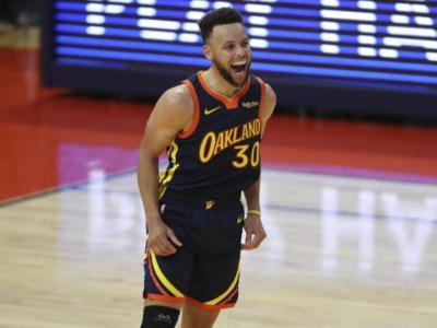 NBA 2021, i risultati della notte (13 aprile): Steph Curry dice 53, Nuggets battuti. Cadono Jazz e Lakers, 76ers ok sui Mavericks