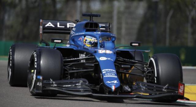F1, avvio di fine settimana molto difficile per Fernando Alonso e Sebastian Vettel