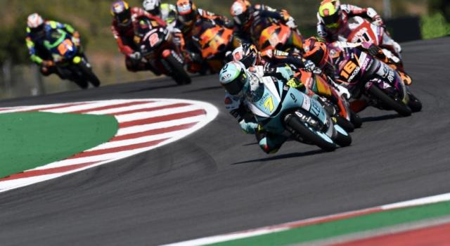 LIVE Moto3, GP Spagna in DIRETTA: Acosta cala il tris in casa! Fenati conquista il secondo posto!