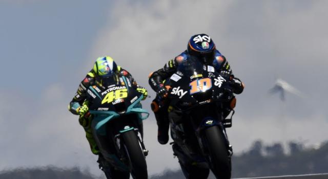 """MotoGP, Valentino Rossi: """"Timidi sorrisi, la Yamaha ha fatto qualche modifica. Ora va meglio"""""""
