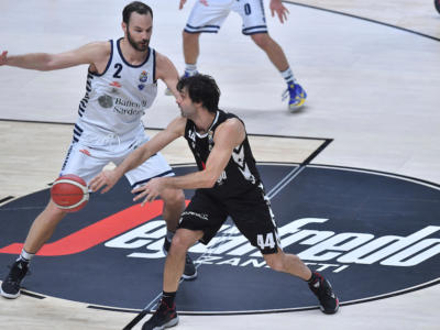 LIVE Dinamo Sassari-Virtus Bologna 77-108, Serie A basket in DIRETTA: la Segafredo domina al PalaSerradimigni e pensa già a Kazan