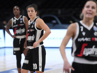 Basket femminile, Playoff Serie A1 2021: domani gara-3 tra Virtus Bologna e Geas, già decise le altre semifinaliste