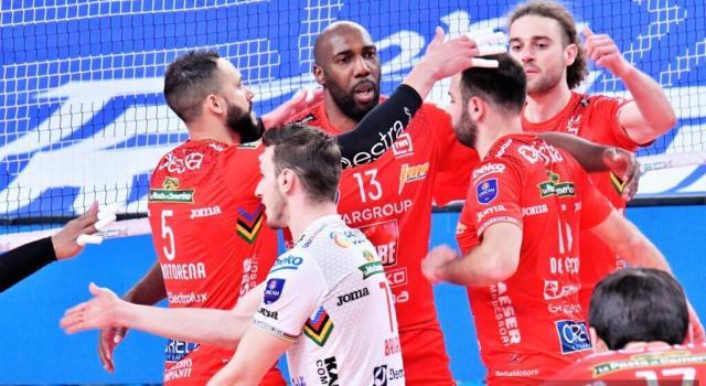 Volley, Civitanova vola in Finale Scudetto! Trento sconfitta in gara-4, ora la sfida a Perugia