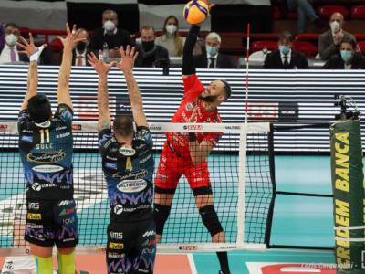 Volley, Finale Scudetto: Civitanova espugna Perugia e si prende gara-1. Leal e Juantorena sugli scudi