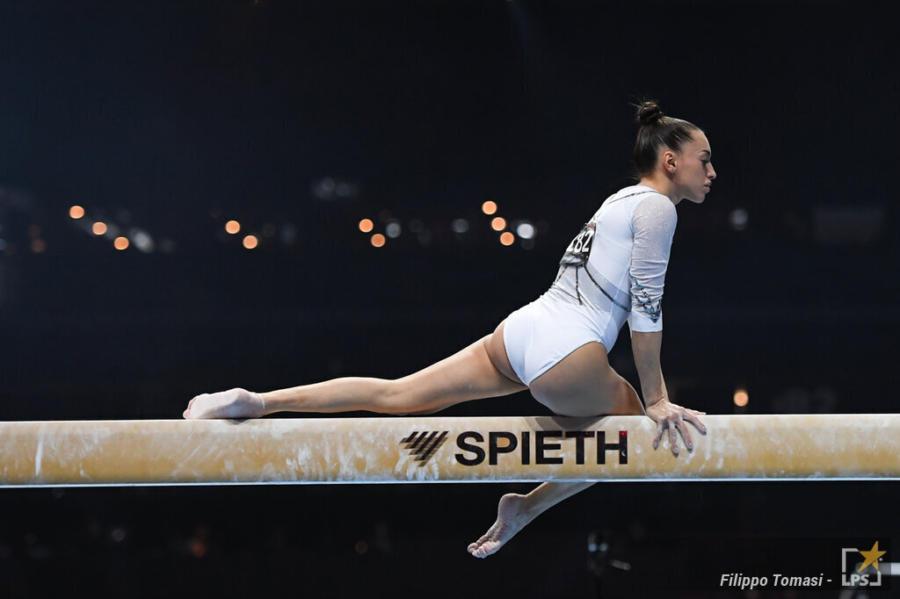 Ginnastica, Larisa Iordache infortunata alla caviglia! Niente finale olimpica alla trave: era da medaglia