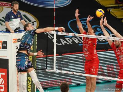 Volley, Superlega 2021 finale play-off gara4. Civitanova vuole chiudere ma Perugia può rialzarsi