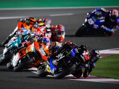 LIVE Moto2, GP Doha in DIRETTA: Lowes vince ancora in Qatar davanti a Gardner, 4° Bezzecchi