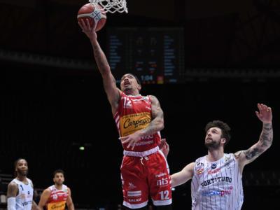 Basket: Fortitudo Bologna, ricorso contro la posizione di Justin Robinson dopo la sconfitta con Pesaro