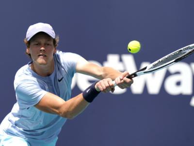 Classifica Jannik Sinner: quante posizioni guadagna nel ranking ATP se vince la Finale a Miami. Obiettivo top15