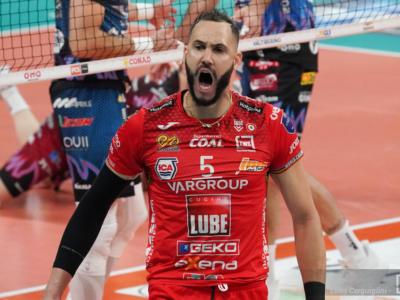 Volley, Finale Scudetto: c'è solo Civitanova sul campo di Perugia. 3-0 e Lube avanti 2-1 nella serie