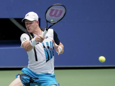 Tennis, operazione al ginocchio sinistro per Kyle Edmund: si teme uno stop di diversi mesi