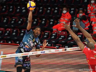 LIVE Civitanova-Perugia 3-1, Finale Superlega volley in DIRETTA. Sesto scudetto per la Lube!!! Ancora sconfitti gli umbri