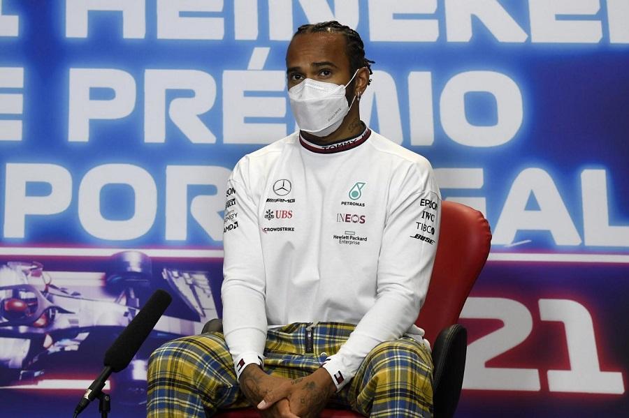 """F1, Lewis Hamilton: """"Siamo in crescita e voglio confermarlo a Barcellona, chi critica Bottas dovrebbe smetterla"""""""