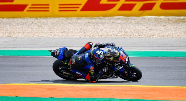 LIVE Moto2, GP Portogallo in DIRETTA: Fernandez vince per la prima volta in carriera! Canet e Gardner chiudono il podio. Sesto Bezzecchi