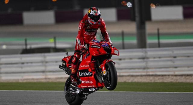 MotoGP, risultati e classifica FP1 GP Francia: Miller sfreccia sul bagnato. Bagnaia 7°, Morbidelli e Valentino Rossi faticano
