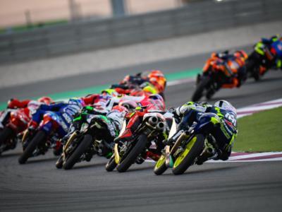 LIVE Moto3, GP Doha in DIRETTA: Pedro Acosta trionfa dalla pit lane! Binder chiude secondo davanti ad Antonelli!