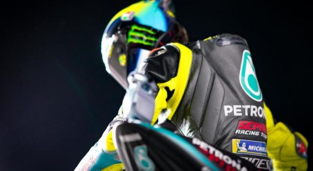 """Valentino Rossi scherza su Pedro Acosta: """"Impressionante, gareggerà contro di me tra 10 anni in MotoGP"""""""