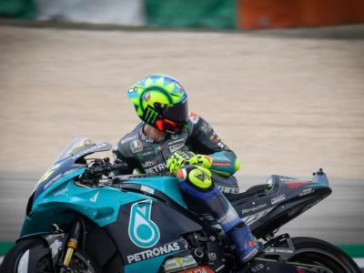 DIRETTA MotoGP, GP Portogallo LIVE: Quartararo davanti, Valentino Rossi e Marquez in Q1!