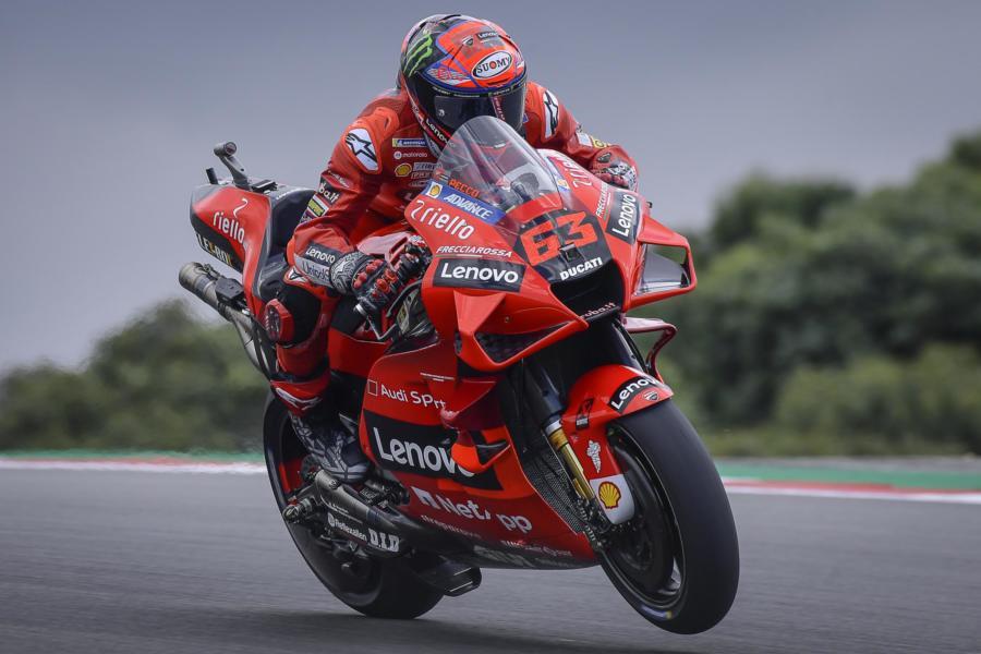 """LIVE MotoGP, GP Portogallo in DIRETTA: Bagnaia, rimonta furiosa. Valentino Rossi: """"Non lontano dal podio"""""""