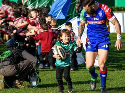 Rugby: Jayden Hayward dice addio a Treviso e all'Italia per il figlio