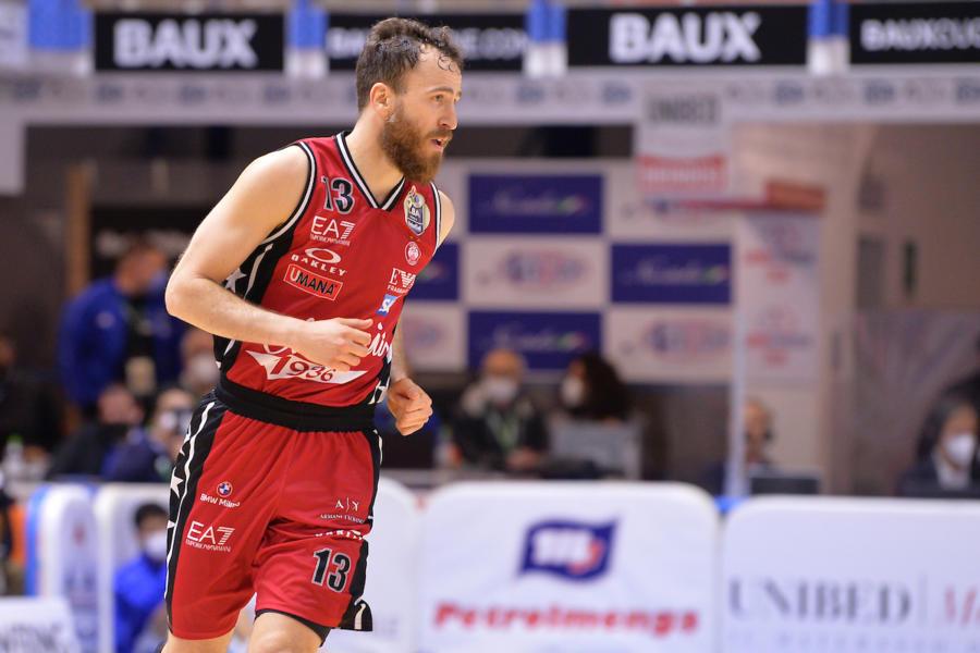 LIVE Dinamo Sassari Olimpia Milano 15 19, Serie A basket in DIRETTA: +4 Armani Exchange al termine del primo quarto