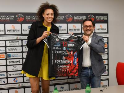 """Volley, Valentina Diouf: """"In Corea ho studiato nuovi modi per fare punto. Torno in Italia cambiata"""""""
