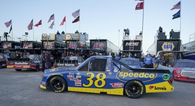 NASCAR Truck Series, Todd Gilliland rimonta e vince al COTA