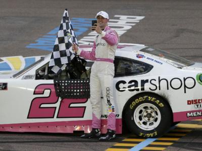 NASCAR Xfinity Series, Austin Cindric vince a Dover