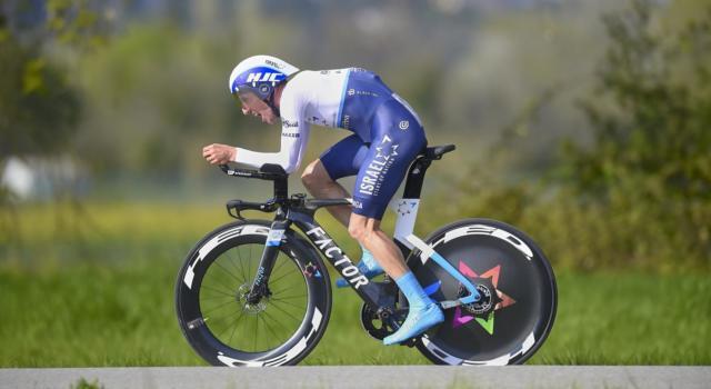 Giro di Romandia 2021, tappa e maglia per Michael Woods! Geraint Thomas scivola sul traguardo e vede svanire il successo