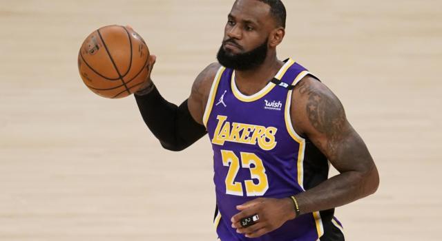 NBA 2021, i risultati della notte (16 maggio): i Lakers vincono e restano in corsa per il sesto posto, ok Brooklyn e New York