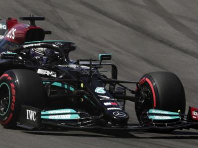 F1, GP Portogallo 2021. Lewis Hamilton vince sul velluto. Ferrari anonima: 6° Leclerc e 11° Sainz