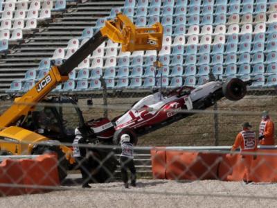 VIDEO F1, le immagini dell'incidente di Kimi Raikkonen nel primo giro a Portimao