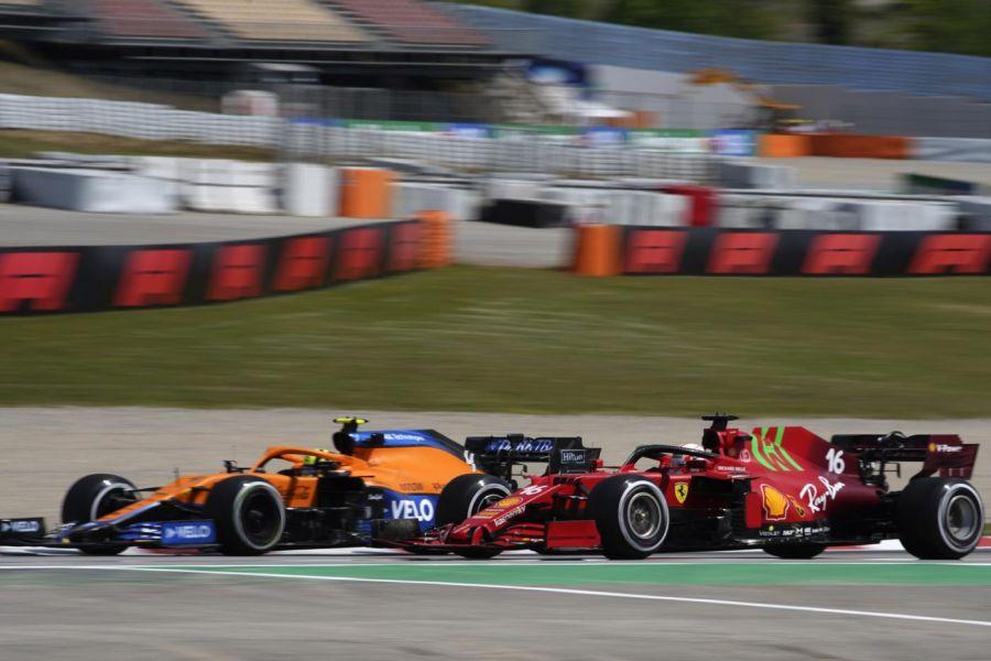 """LIVE F1, GP Spagna in DIRETTA: Leclerc 4°, Sainz 6°. """"Fondamentale la partenza"""". Ferrari in spolvero"""