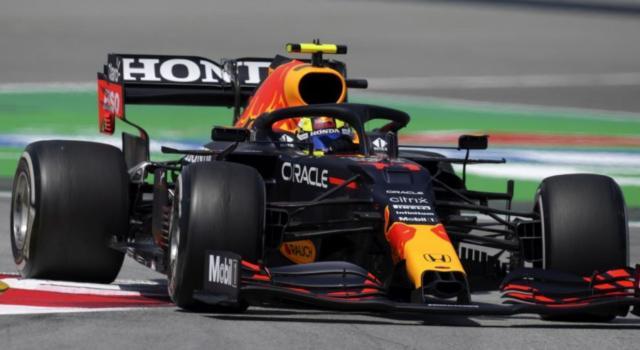 """F1, Sergio Perez: """"Giornata complicata, dobbiamo ritrovare il passo sul giro secco per la qualifica"""""""