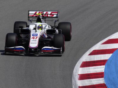 """F1, Mick Schumacher: """"I cambiamenti che abbiamo fatto ad oggi abbiano funzionato. Dobbiamo vedere quale strategia utilizzare per domani"""""""