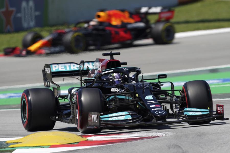 Griglia di partenza F1 di oggi, GP Spagna 2021: Hamilton in pole, Verstappen in scia. Leclerc 4°, Sainz 6°