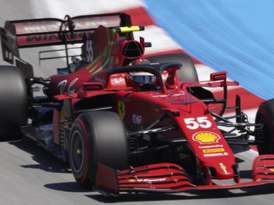 """F1, Carlos Sainz: """"Alla Ferrari manca la velocità di punta per fare i sorpassi"""""""