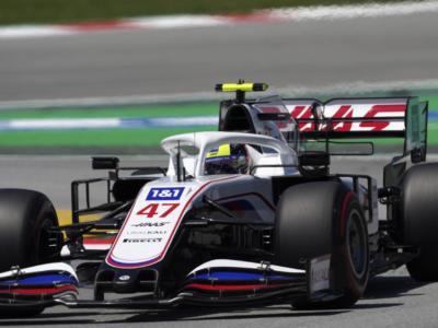 """F1, Mick Schumacher: """"Sapevamo già di essere un po' più lontani qui. Con la C2 è andata meglio del previsto"""""""