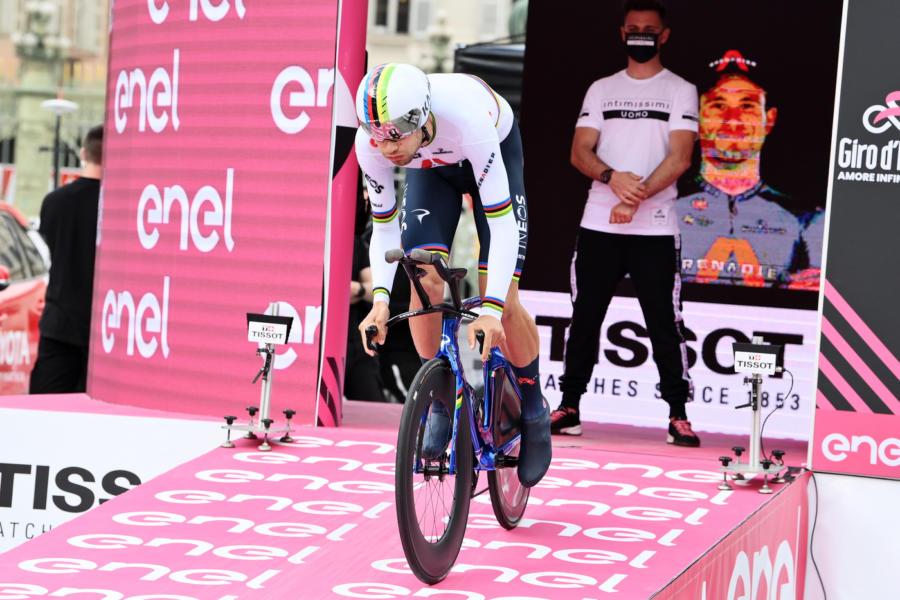"""Giro d'Italia 2021, Filippo Ganna: """"Le ultime cronometro mi avevano fatto male. Volevo questa vittoria"""""""