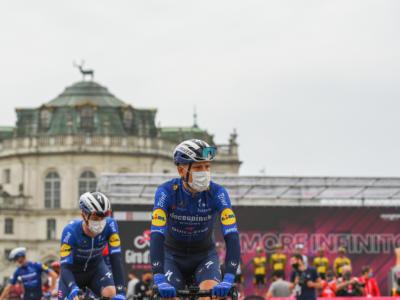 Giro d'Italia 2021, la classifica dei favoriti. Evenepoel in testa assieme ad Almeida, nessuno scossone