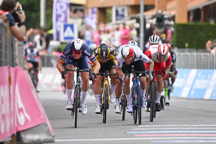 LIVE Giro d'Italia 2021, Modena Cattolica in DIRETTA: Tagliani e Marengo in fuga