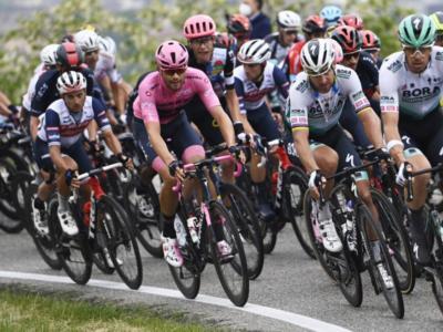 """LIVE Giro d'Italia in DIRETTA: Nibali perde 34″. """"Ho patito il freddo"""". Ciccone: """"Seguo l'istinto"""""""