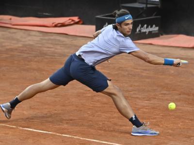 Musetti-Tsitsipas, Semifinale ATP Lione: orario d'inizio, tv, programma, streaming