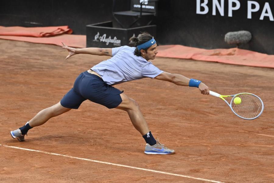 ATP Lione: avanza Musetti. A Ginevra si ritira Travaglia nel derby azzurro
